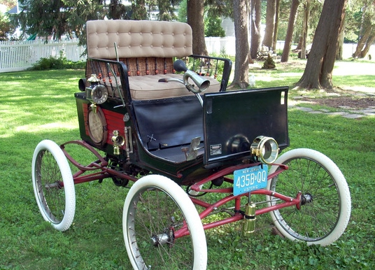 FROM SARAH STANLEY Stnaley Steamer Locomobile HIGH RES